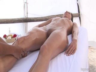 chitat-eroticheskiy-massazh